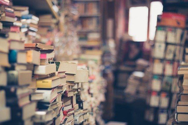 Internetowy skup książek - co sprawia, że jest lepszy od stacjonarnego?